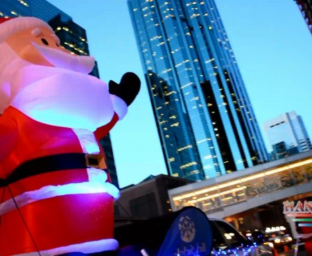 SANTA'S PARADE OF LIGHTS 2015